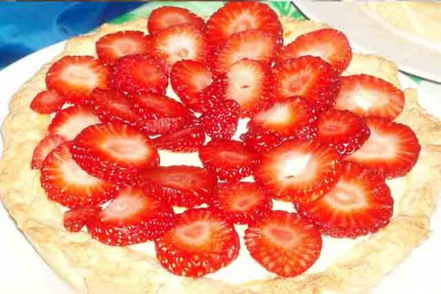 Crostata di fragole e crema pasticcera