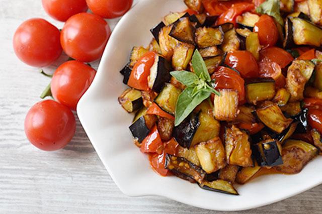 Melanzane a funghetto: la ricetta originale napoletana